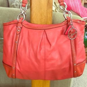 💕 Coach salmon leather large satchel beautiful 💕